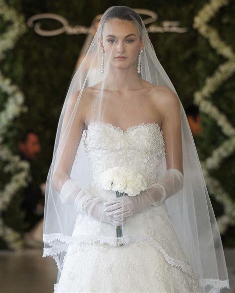 gorgeous lace wedding dress oscar de la renta spring 2013