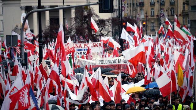 Przez Warszawę przeszedłmarsz PiS. Policja: 40-45 tys. osób