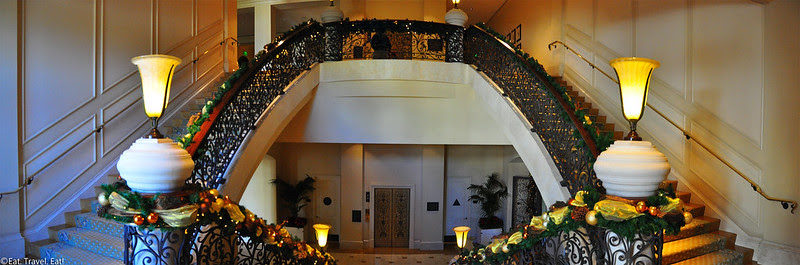 St Regis Monarch Beach- Dana Point, CA: Staircase to Motif