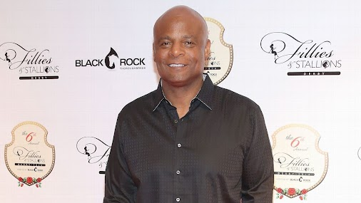 Warren Moon sued for sexual harassment by assistant at sports marketing firm  http://www.espn.com/nfl...