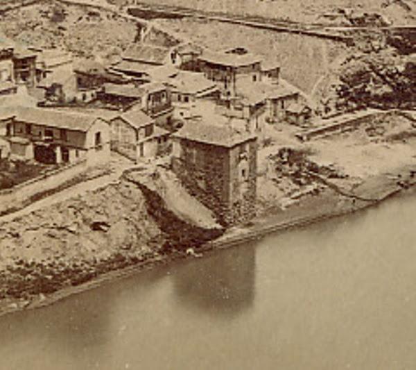 Torre del Hierro de Toledo hacia 1860. Detalle de una fotografía estereoscópica