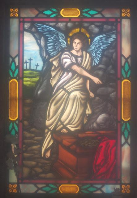 IMG_1397-2014-03-01-Westview-Cemetery-Marks-Mausoleum-stool-and-figure-inside-Atlanta