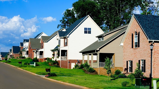 Homeowners' Associations: What to know before joining an HOA