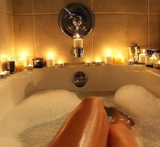 Why Candles Are Essential For A Perfect Relaxing Bathroom Experience