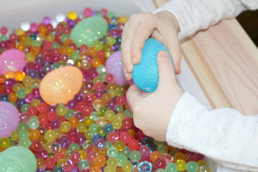 Squishy Beads + Sparkly Eggs Easter Sensory Activity for Little Kids - The Keeper of the Memories