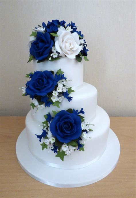 Elegant 3 Tier Blue and White Rose Wedding Cake « Susie's