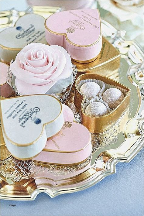 Wedding favors are a nice way to thank your wedding guests