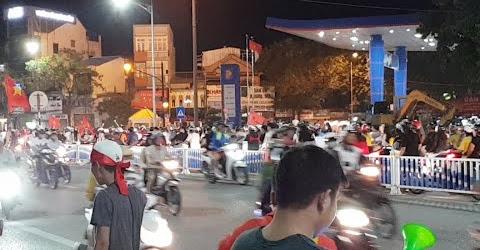 """Huế Đang """"Cháy"""" Với Chiến Thắng Của Đội Tuyển Bóng Đá Việt Nam Trước Philippines"""