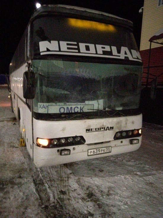 Автобус «Нефтеюганск - Омск» с 50 пассажирами сломался на трассе
