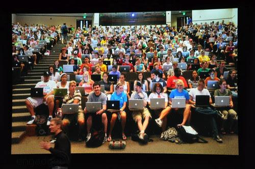 apple-laptop-event-014