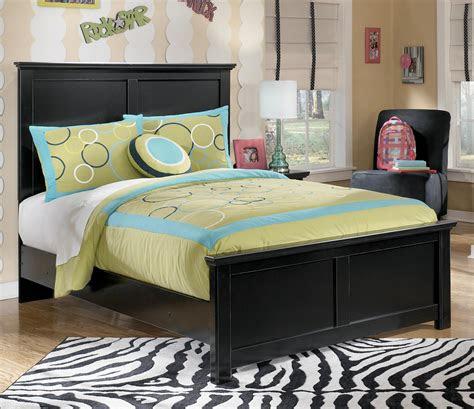 signature design  ashley maribel full panel bed