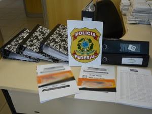 Mais de 100 contratos irregulares são apreendidos durante fechamento de seguradora sem autorização de funcionamento, em Gravatá, Agreste de Pernambuco (Foto: Divulgação/ Polícia Federal)