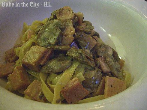 Tagliatelle Funghi e Prosciutto, Ham and Mushroom RM22