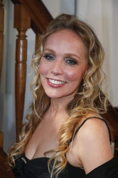 most-gorgeous-female-politicians-Sabine-Uitslag-1024x1536