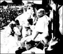 Jaffna Youth Congress bringing Mahatma Gandhi to Jaffna in 1927
