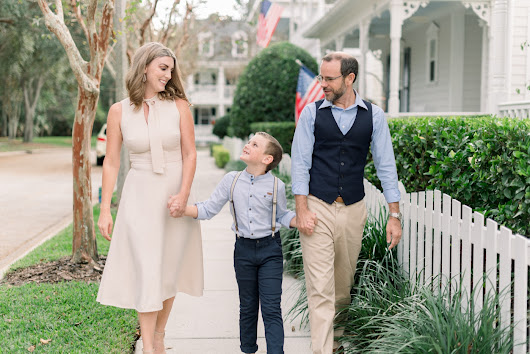 Old Americana Christmas in Celebration Florida - Orlando Wedding Photographers : Kristen Weaver Photography