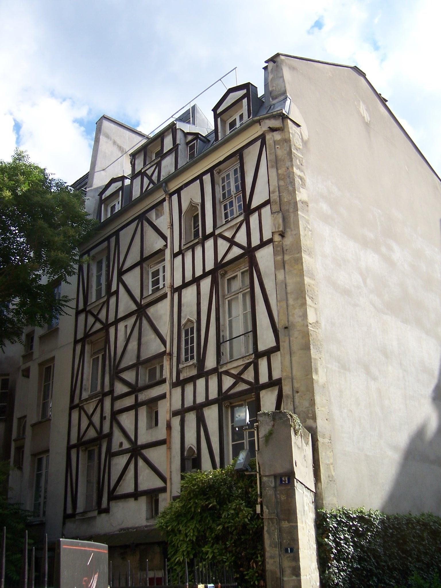 Photo d'une maison ancienne à Paris quartier Saint Michel