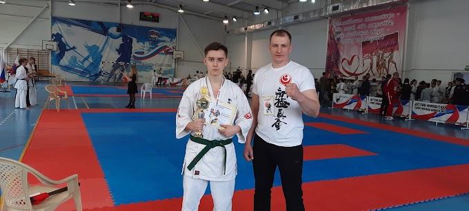 Сальские каратисты завоевали семь медалей на первенстве ЮФО