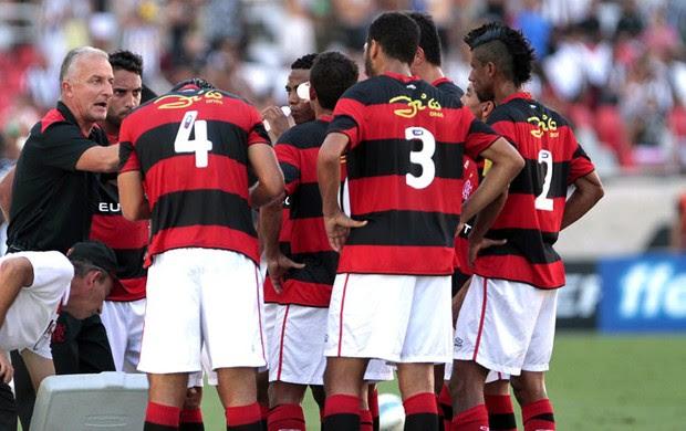 tática  em xeque (Reginaldo Pimenta / Agência O Globo)