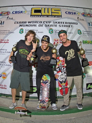 Pódio do Ceará World Cup 2012: Danilo do Rosário (2º), Kelvin Hoefler (1º) e Lucas Xaparral (3º)