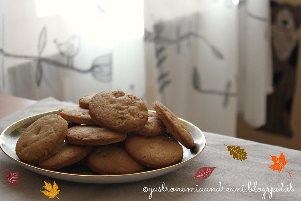 Biscotti alle noci e cannella