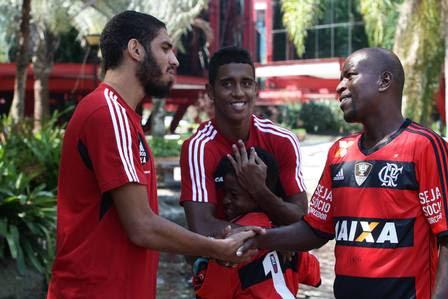 Wallace e Gabriel fazem a alegria da família Silva