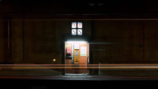 Luminous checkpoint - photo de nuit urbaine | Ludimaginary