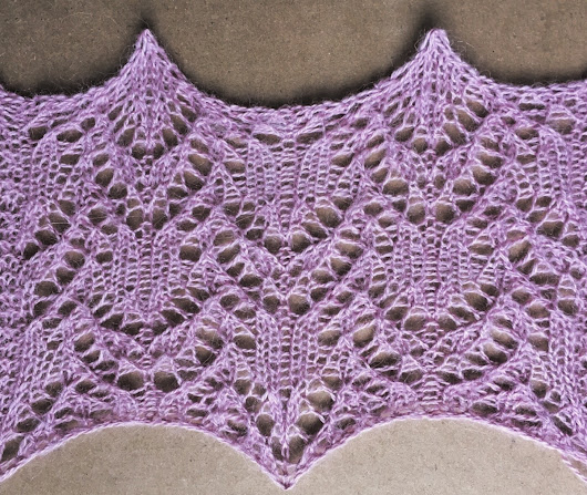Blossom: a free lace knitting stitch pattern