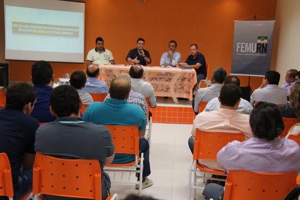 Femurn reúne prefeitos para definir medidas emergenciais contra a crise financeira nos municípios