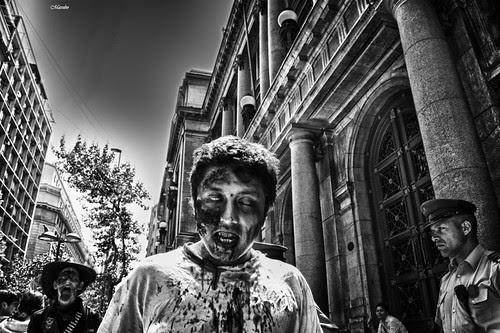 Zombies en la ciudad by Alejandro Bonilla