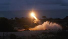 Tiro de uno de los dos misiles AMRAAM