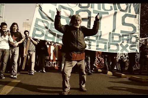1 de Junio, conflicto estudiantil by Manuel Venegas
