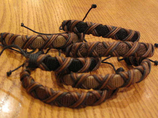 Fabric bracelets 01