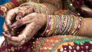 Noivo tem ataque epilético no altar e noiva se casa com convidado