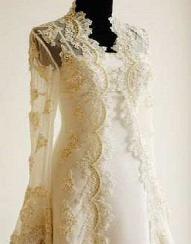 cream lace wedding dress vintage (I like this jacket for a