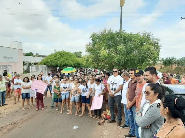 População de Lago dos Rodrigues vai as ruas contra fechamento de hospital