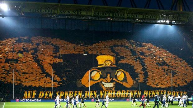 406fe5eec7 Torcida Mosaico Borussia Dortmund x Málaga (Foto  Reuters)