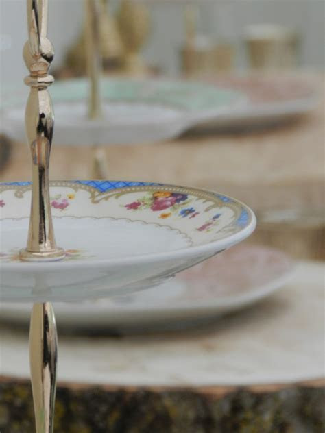 THREE TIER CAKESTAND