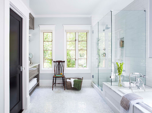 See How This Designer Refreshed a Master Bath and Laundry Room Combination | Architectural Digest