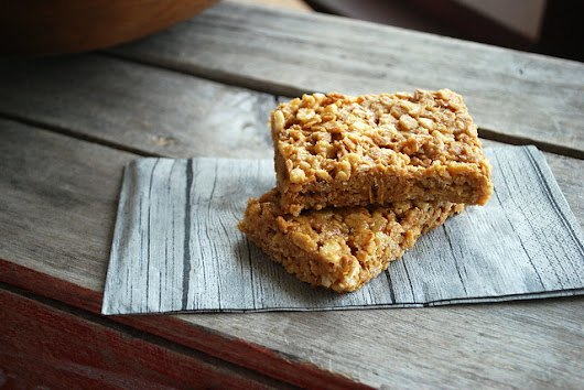 No Bake Chewy Peanut Butter Granola Bars & a Giveaway!