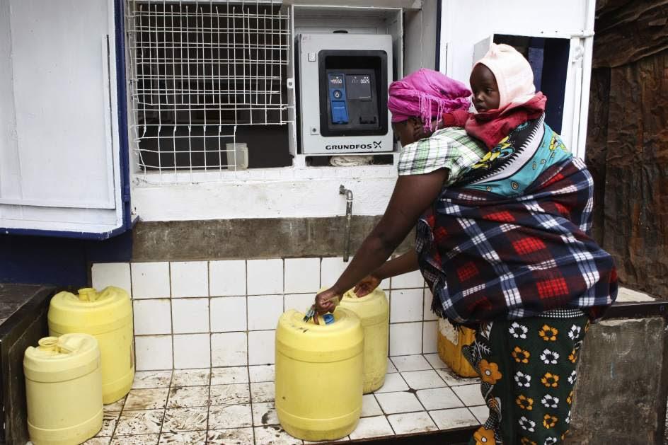 Cajeros que dispensan agua potable en Kenia