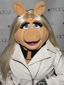 Is a Kimye style wedding on the cards for The Muppets
