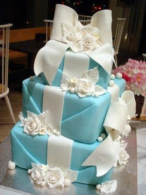 1000  ideas about Bow Cakes on Pinterest   Cakes, Flower