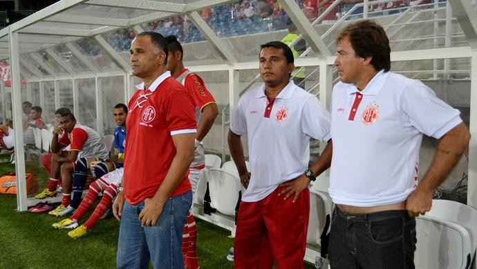 Oliveira Canindé, técnico do América-RN (Foto: Jocaff Souza/GloboEsporte.com)