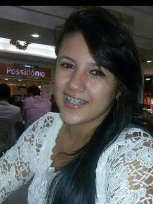 Giovana foi baleada neste sábado, em Caraúbas (Foto: Reprodução/Arquivo da família)