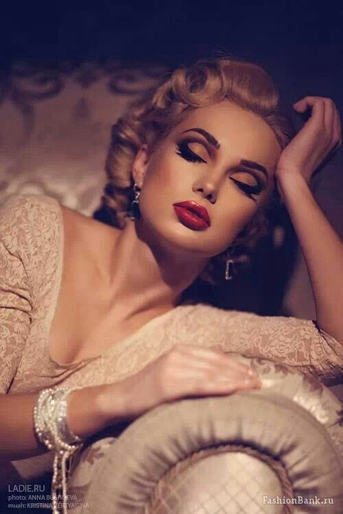 15 Glamorous Vintage Makeup Ideas  - Pretty Designs