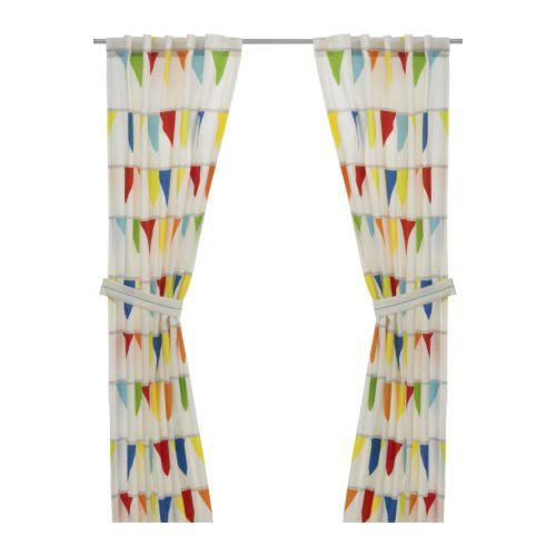 VITAMINER VIMPEL Zasłony, 2szt IKEA Skróć do odpowiedniej długości; przyprasuj załączoną tasiemkę. Wiązania na rzepy, które łatwo się rozpinają.