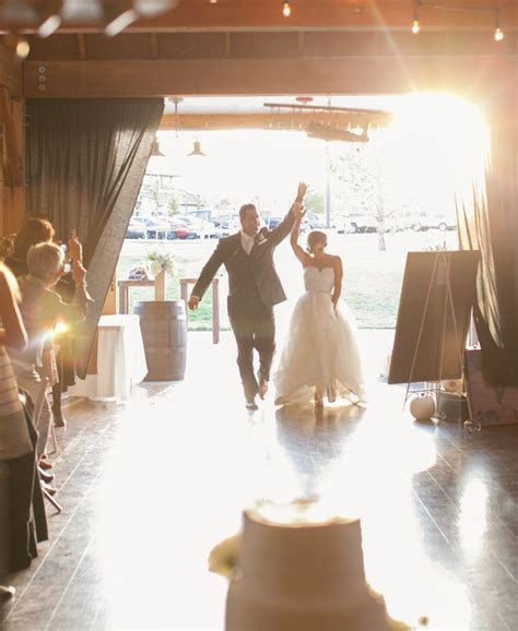 Wedding Entrance Songs for the Newlyweds That?ll Wow Any
