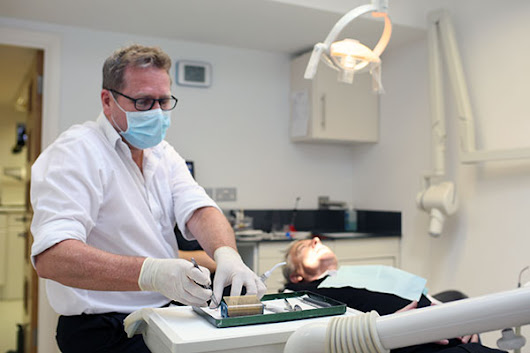 Implants for Dentures Chiswick - Wellesley Dental Practice in West London, Implant retained dentures