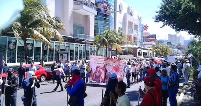 Inicia jornada de protestas por la desaparición de los normalistas. Foto: El Sur